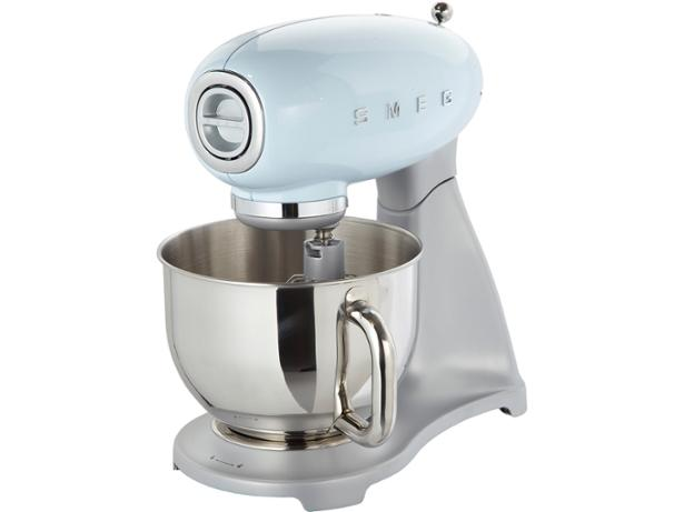 Smeg SMF01PBEU stand mixer review - Which?