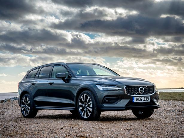 Volvo V60 Cross Country (2019-) New & Used Car Review