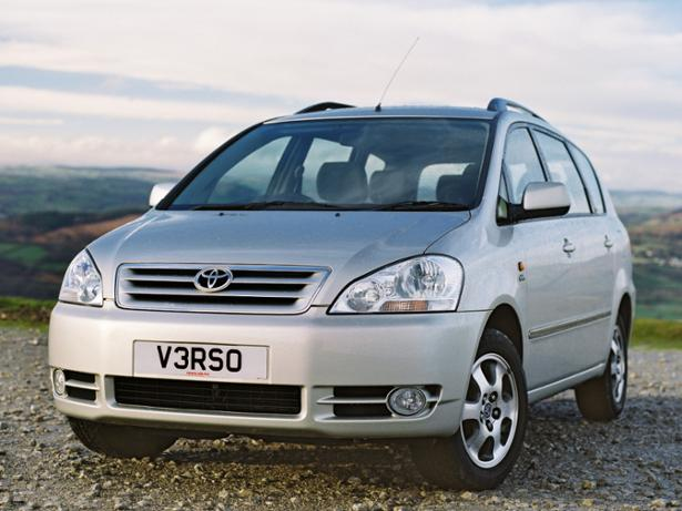 toyota avensis verso 2001 2005 new used car review. Black Bedroom Furniture Sets. Home Design Ideas